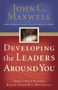 Developing-the-Leaders-Around-You-Maxwell-John-C-9780785281115
